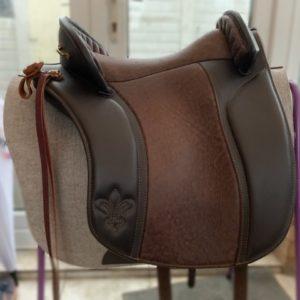 adjustable dressage saddle